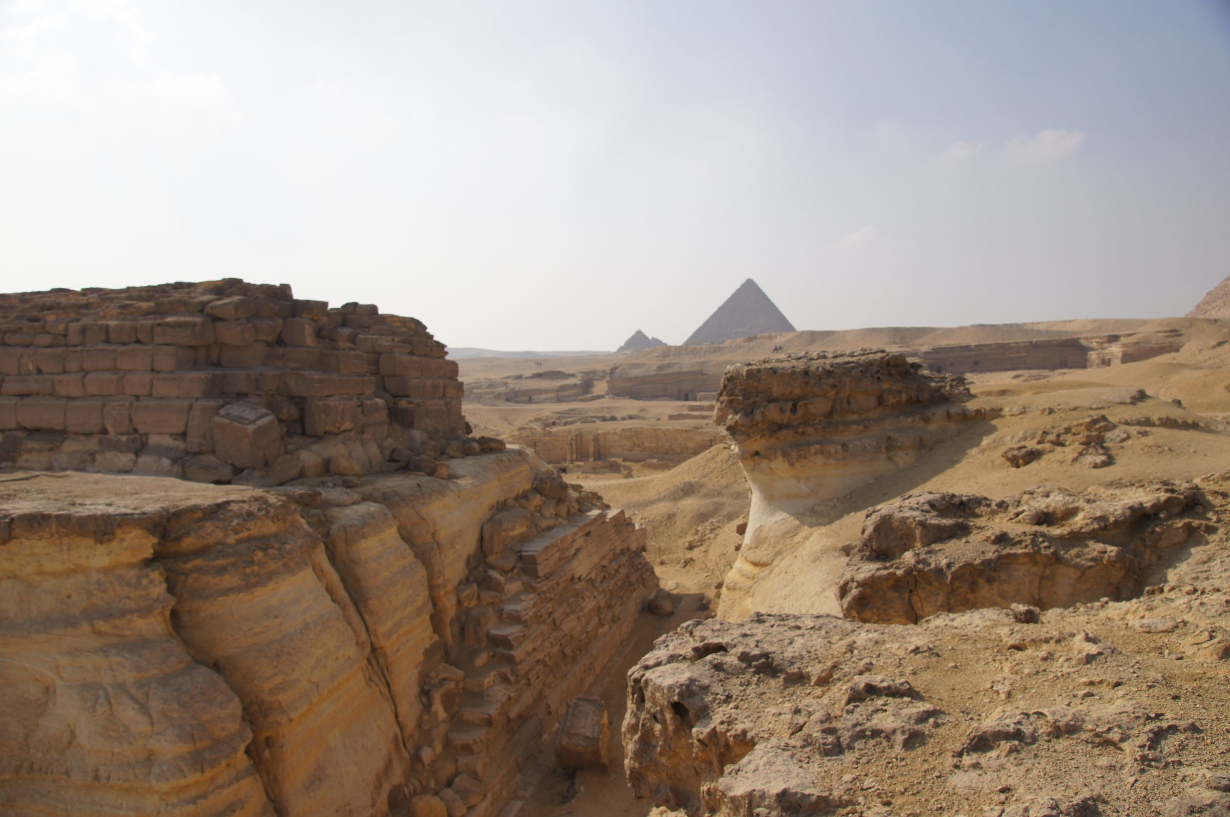 Central Field (Hassan): Site: Giza; View: G 8400, G 8130