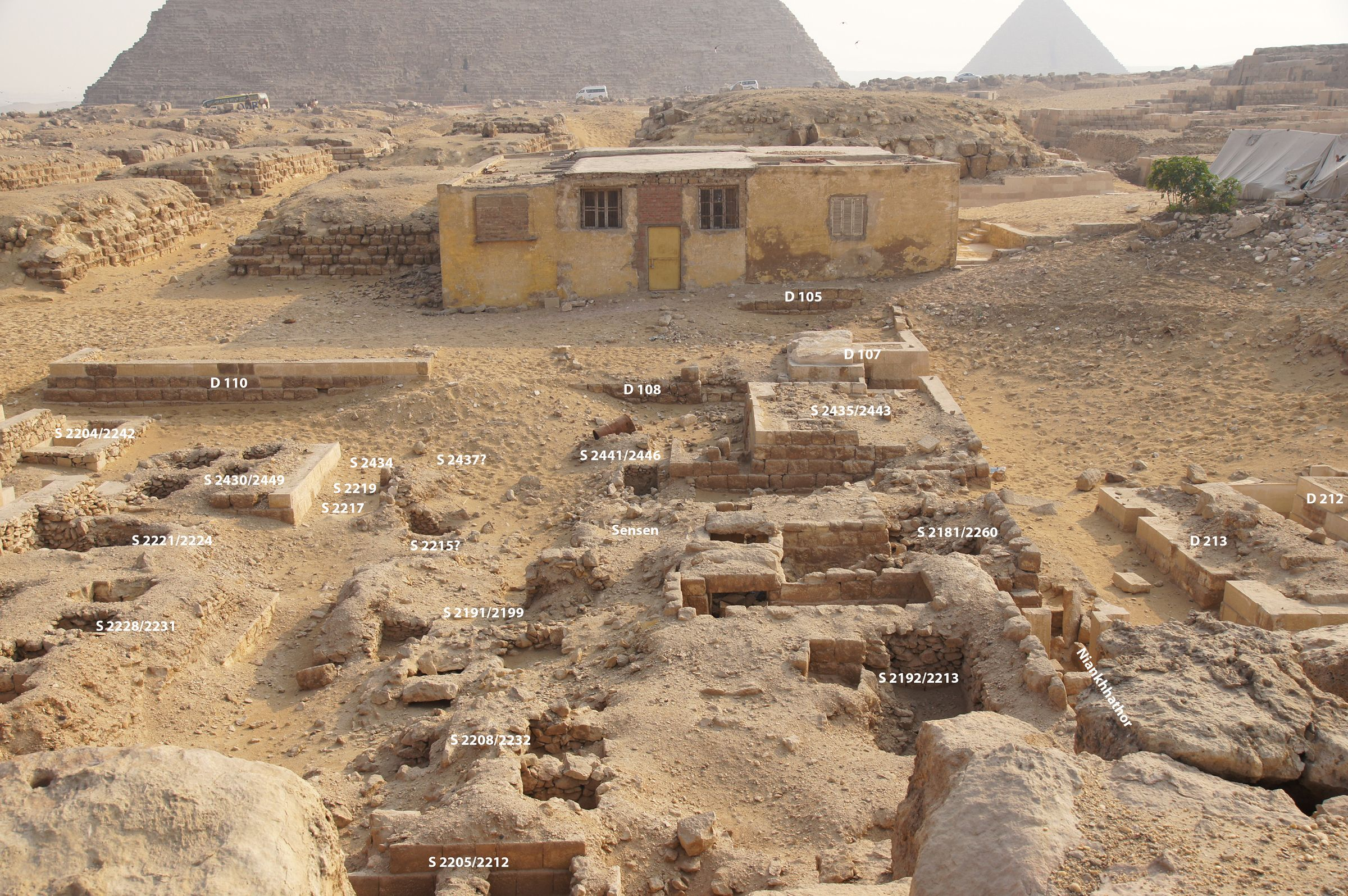 Western Cemetery: Site: Giza; View: S 2204/2242, S 2228/2231, S 2221/2224, S 2430/2449, S 2217, S 2219, S 2434, D 110, S 2205/2212, S 2208/2232, S 2191/2199, S 2215?, S 2437?, Sensen, S 2441/2446, D 108, S 2192/2213, S 2181/2260, S 2435/2443, D 107, D 105, Niankhhathor, D