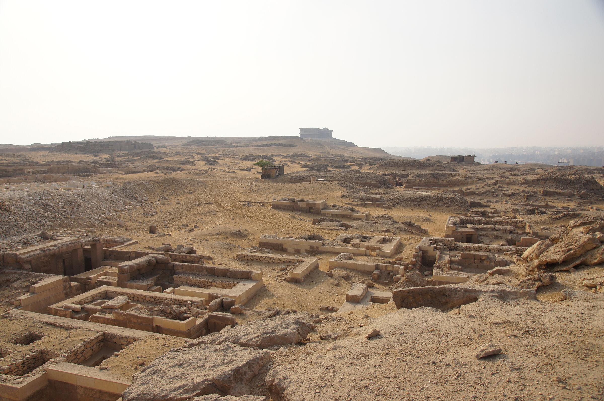 Western Cemetery: Site: Giza; View: D 202, D 210, D 203, D 208, D 209, D 204, D 207, D 205, G 1010, G 1011, G 1012, G 1015, G 1014, G 1016, G 1018, D 82+82 A