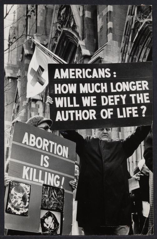 """Anti-choice """"Right to Life"""" at St. Patrick's Cathedral"""