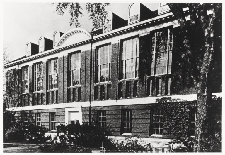 Exterior view of the Schlesinger Library, 1966