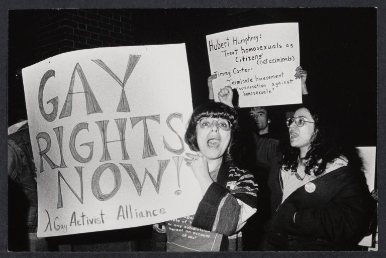 Gays demonstrate at NYU Law School against guest speaker Chief Justice Burger