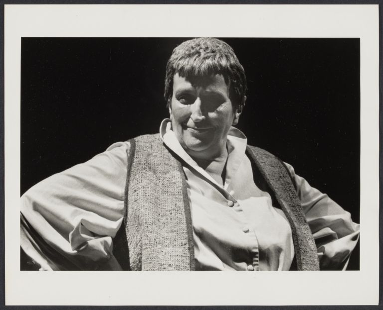 Pat Bond on stage performing Gerty, Gerty, Gerty (Gertrude Stein).