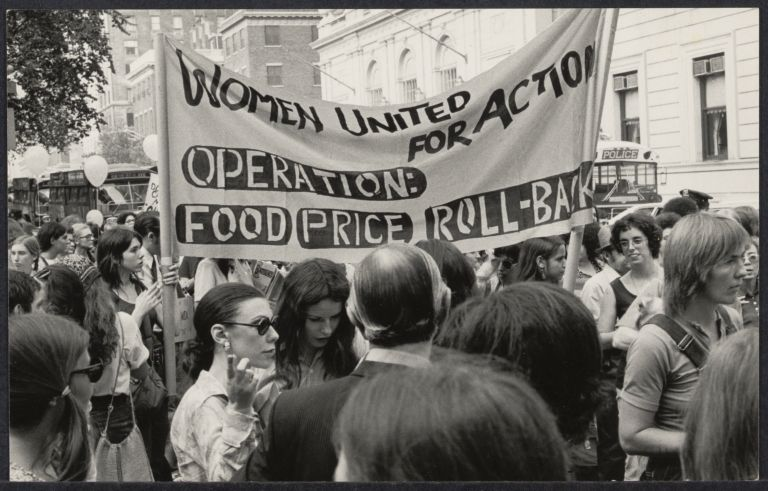 Women protest high food prices