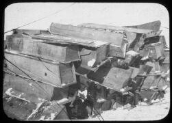 Stacks of coffins, Fuchiatien