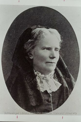 Head and shoulders portrait of Elizabeth Blackwell.